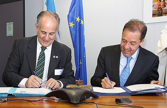 <p>The European Commission and Argentina signed landm 1</p>