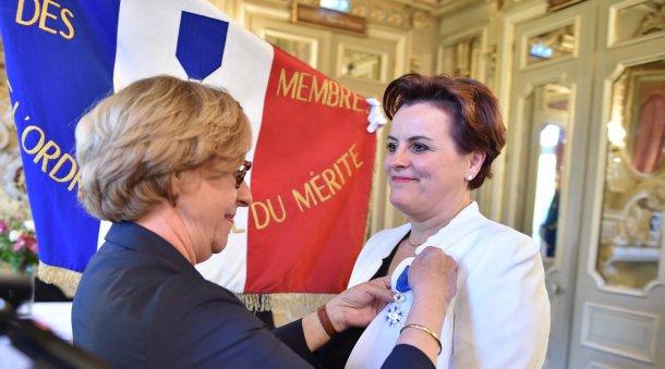 Remise de l'Ordre national du Mérite à Anne Marie QUEMENER par Madame la Préfète de la Région Bretagne - Rennes, le vendredi 14 juin 2019